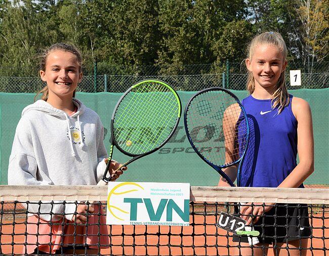 U12 W: Siegerin Insa Hetzel (links) und Finalistin Eva Südmeyer. (Foto: Klaus Molt) - von der Homepage TVN